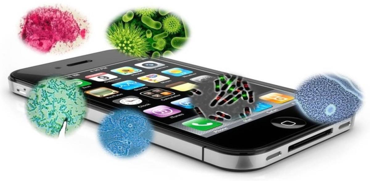 Coronavirus के खतरे के बीच अपने Smartphone को ऐसे करें Sanitize