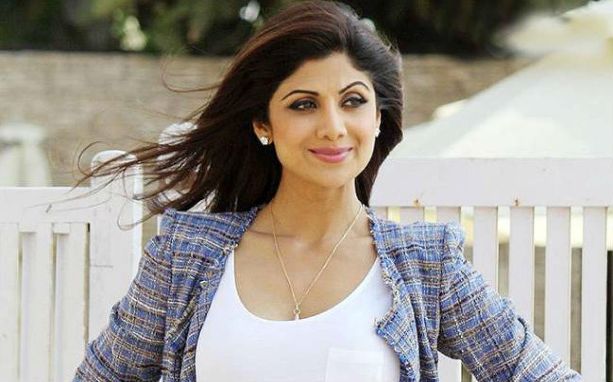 Shilpa Shetty ने पीएम राहत कोष में दान की इतनी रकम, बोलीं- सागर में हर बूंद जरूरी...