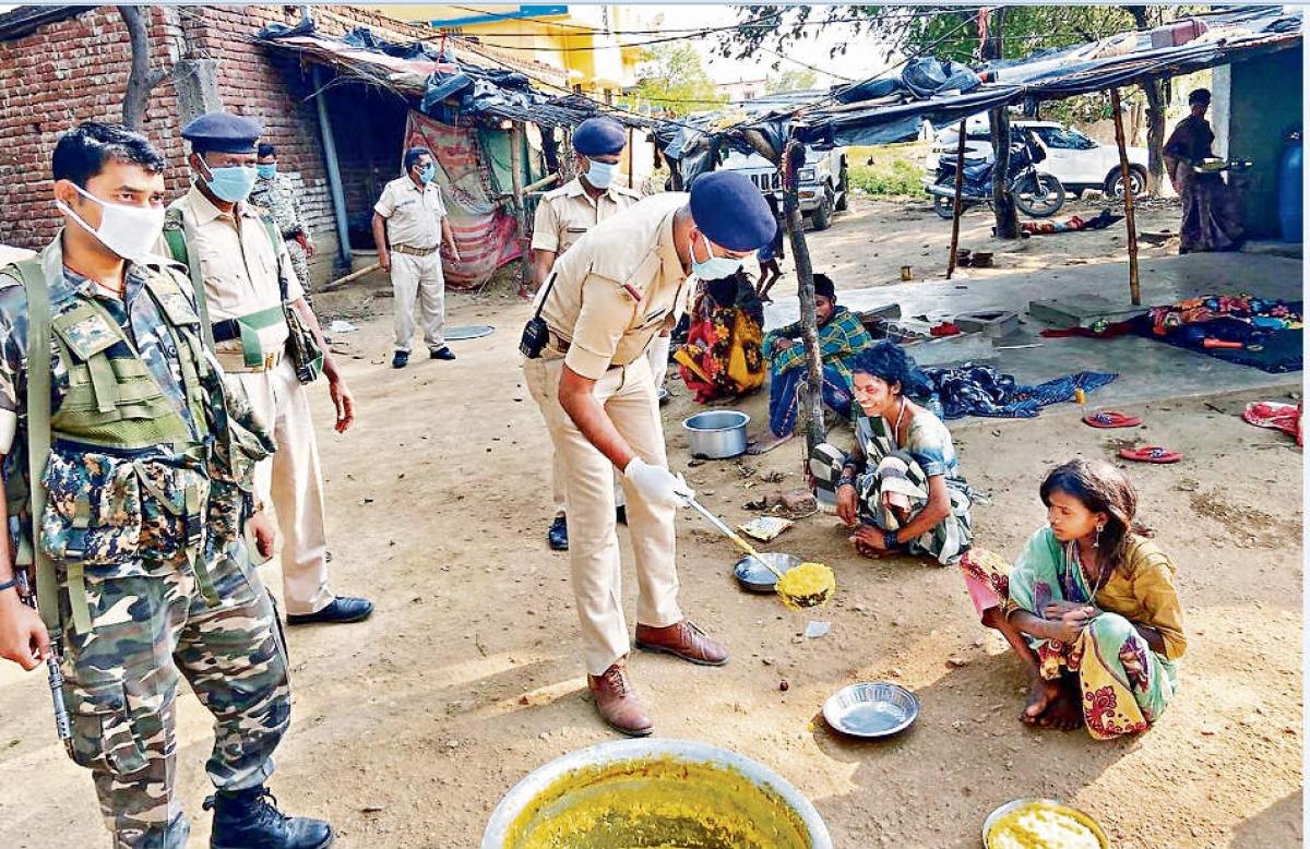 डीजीपी ने जिलों के एसपी को दिया निर्देश - जरूरतमंदों को हर थाने में मिलेगा खाना, चिकित्सा सुविधा भी मिलेगी