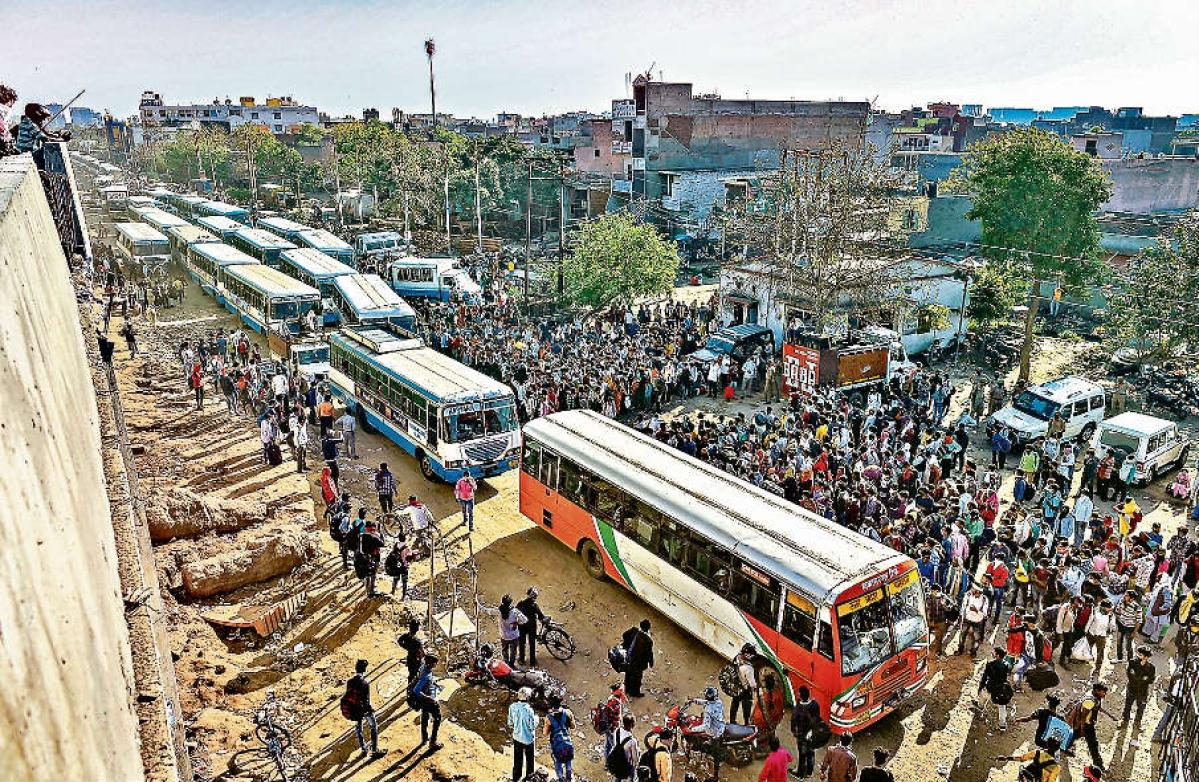 दिल्ली और दूसरी जगहों से आ रहे लोगों को अब घर तक पहुंचायेगी राज्य सरकार- नीतीश कुमार