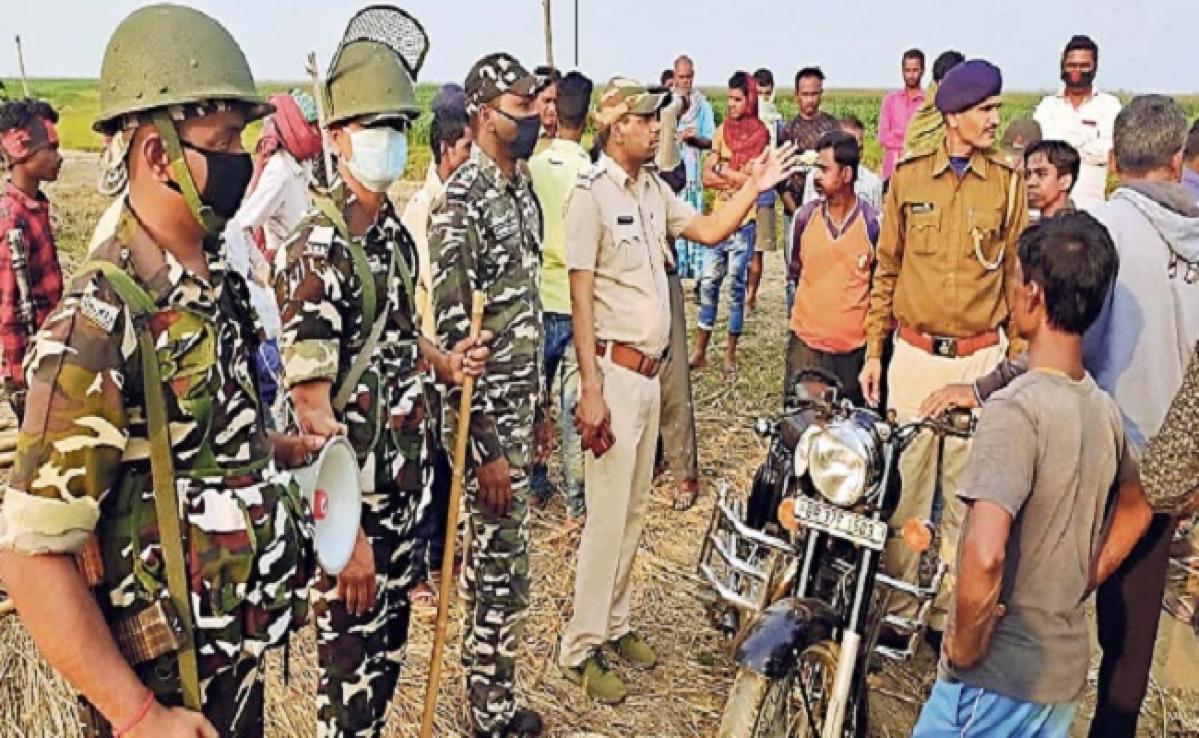 हाथियों के झुंड ने किसान को कुचलकर मार डाला, मशाल जलाकर ग्रामीणों ने भगाया