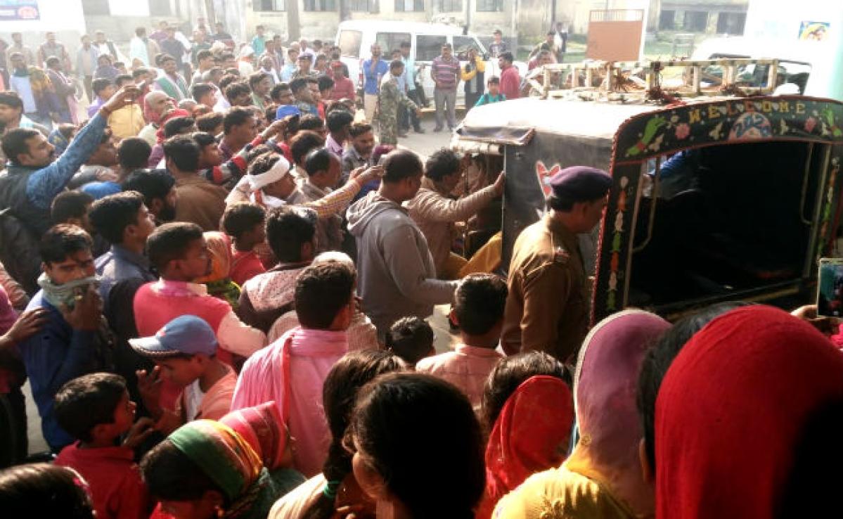 बिहार में ग्रामीणों ने खेली खून की होली, लुटेरों को पीट-पीट कर मार डाला