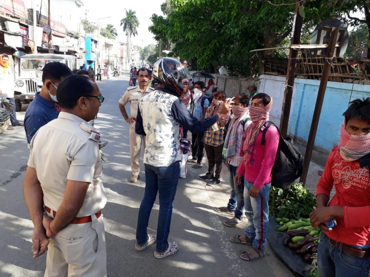 Coronavirus Lockdown Jharkhand LIVE : भागलपुर से मालदा जा रहे 17 लोगों को पुलिस ने साहिबगंज में रोका