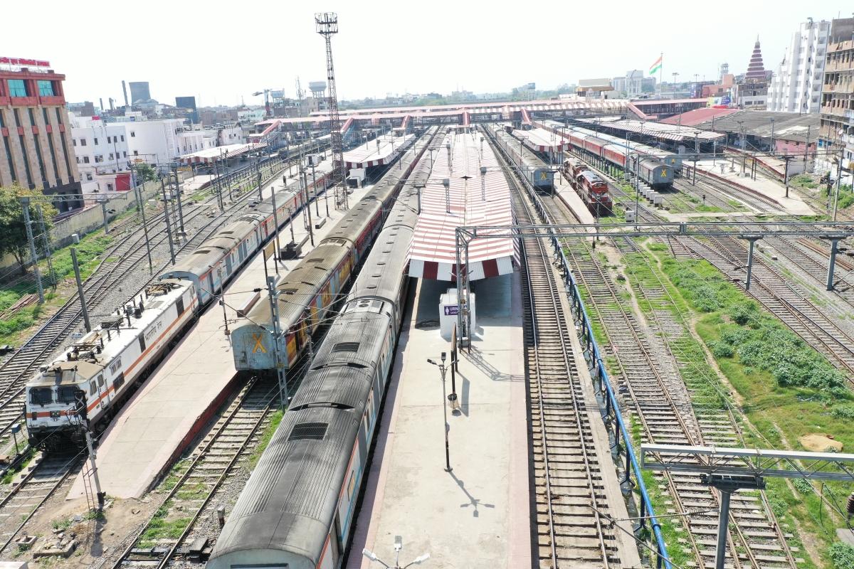 लॉकडाउन : ट्रेन परिचालन बंद होने से पूर्व मध्य रेलवे को होगा 200 करोड़ रुपये का नुकसान