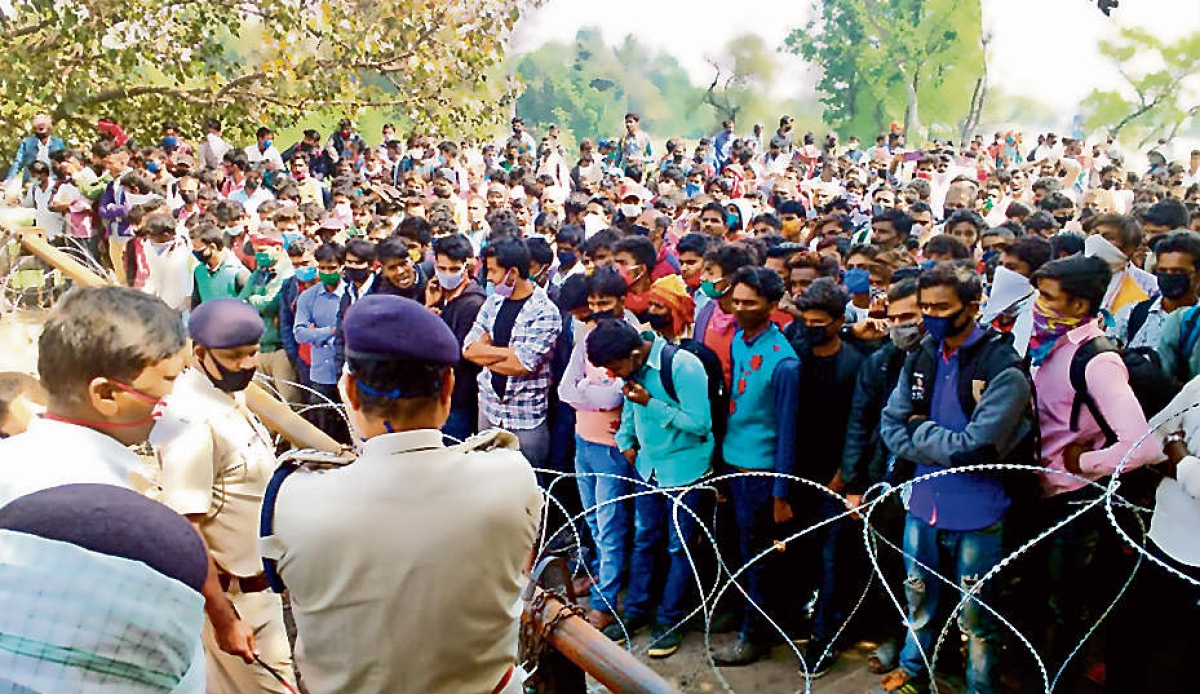 भारत-नेपाल सीमा पर फंसे 2500 से अधिक भारतीय