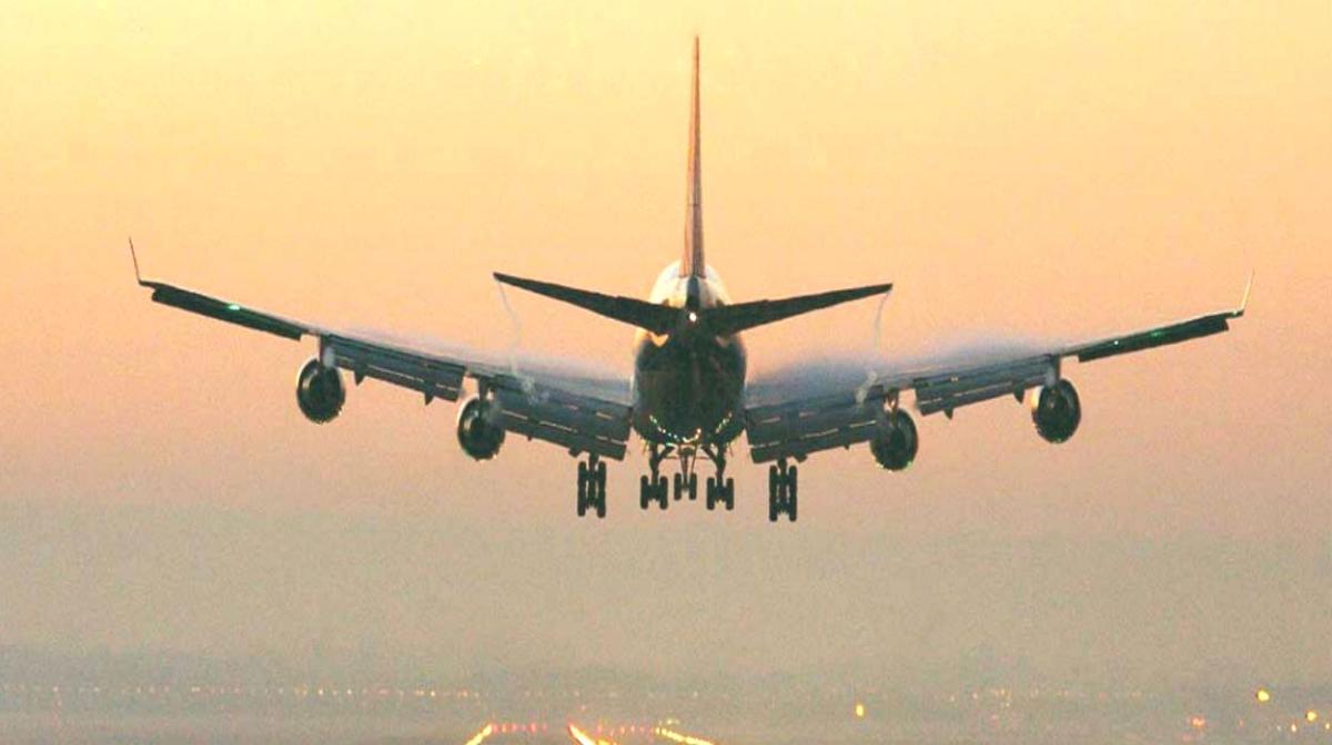 'Lockdown में डीजीसीए की अनुमति के बिना डोमेस्टिक एयरलाइंस ने शुरू की टिकटों की एडवांस बुकिंग'