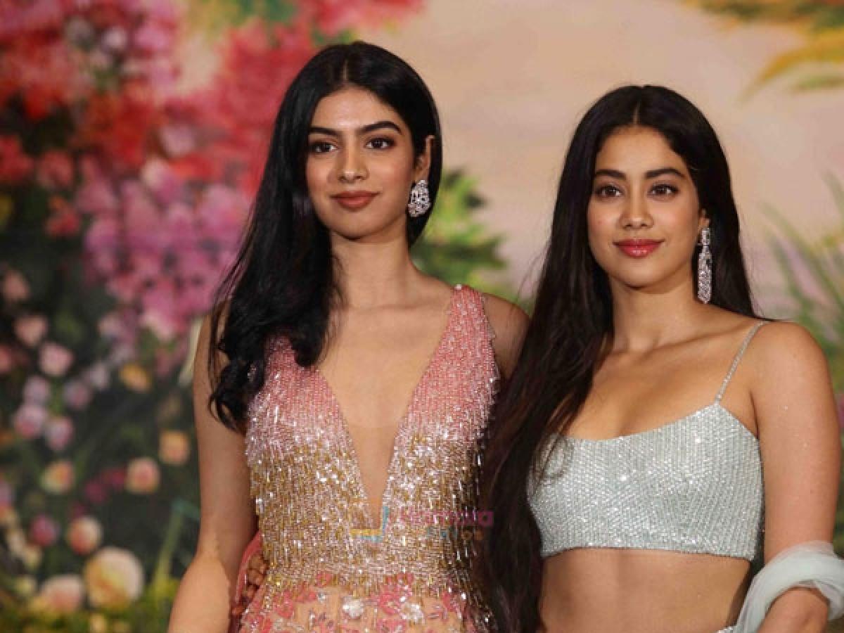 Janhvi Kapoor and khushi kapoor
