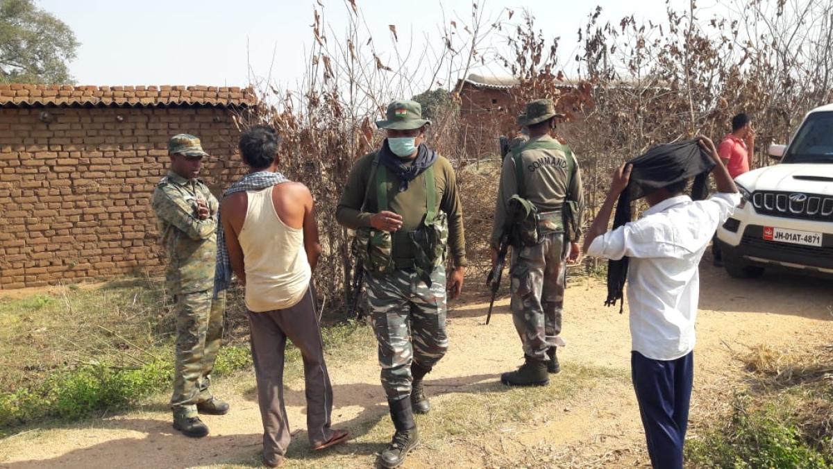 टीएसपीसी उग्रवादियों ने मांझीपाड़ा गांव में ग्रामीणों के साथ की मारपीट