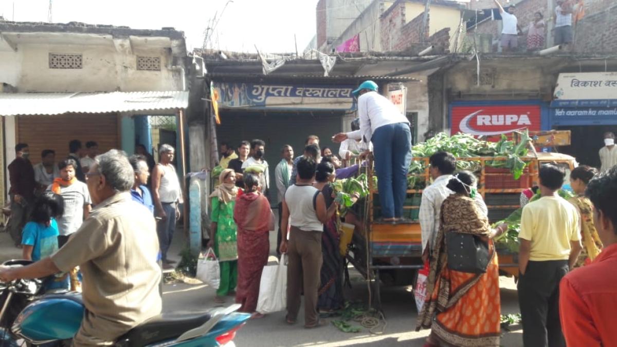 Coronavirus Lockdown Jharkhand LIVE: रांची में सब्जी खरीदने के लिए लोगों ने तोड़ा लॉकडाउन, सोशल डिस्टेंसिंग का भी नहीं किया पालन