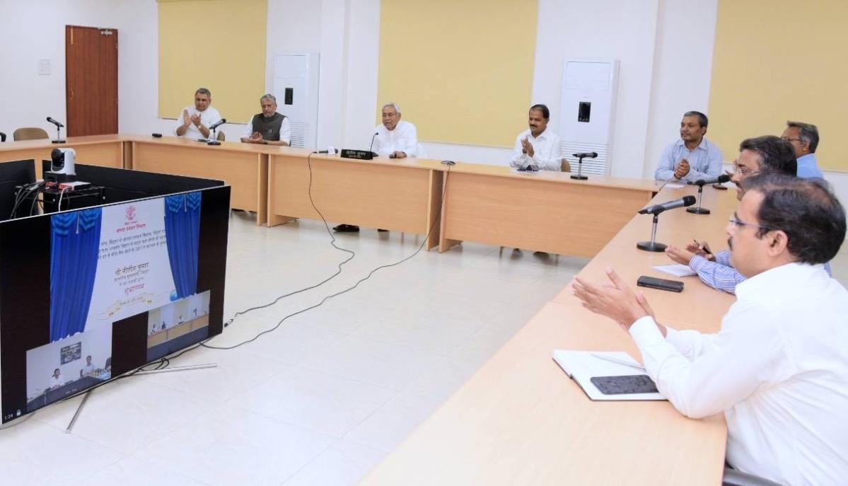 Lockdown: दूसरे राज्यों में फंसे 'अपनो' को सहायता राशि पहुंचानेवाला देश का पहला राज्य बना बिहार, 1,03,579 लोगों के खिले चेहरे