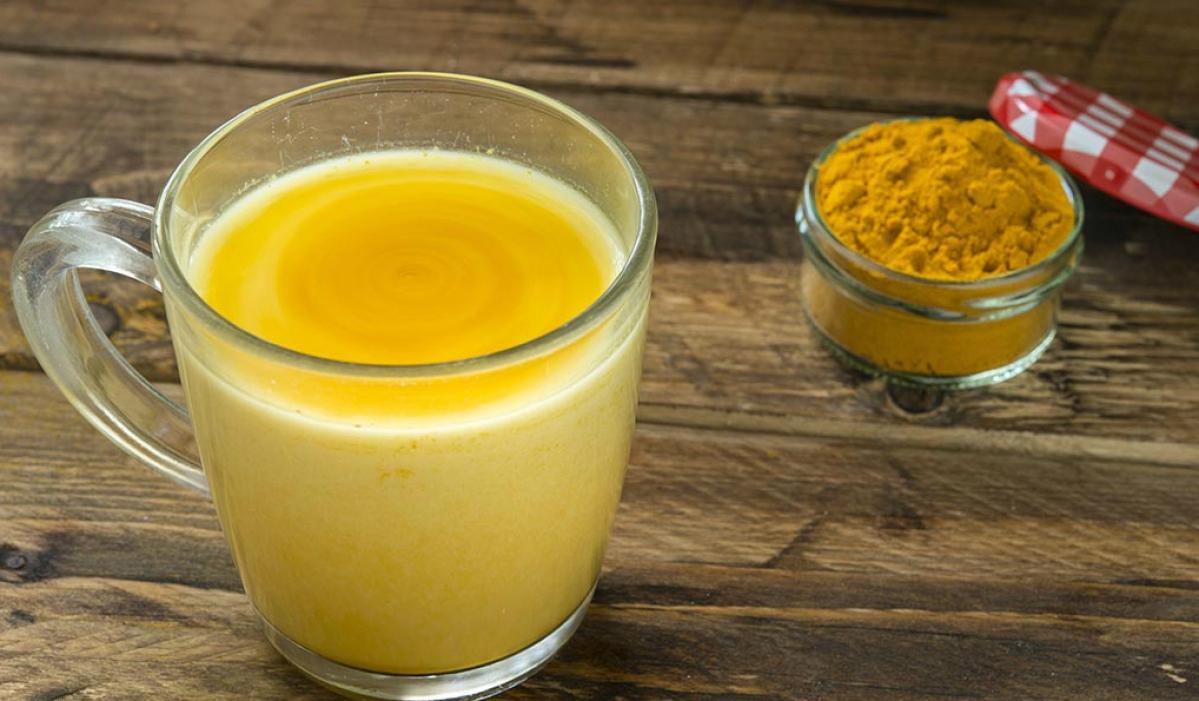 हल्दी और दूध का सेवन बढ़ाएगा आपकी Immunity, कई तरह के रोग होंगे छूमंतर