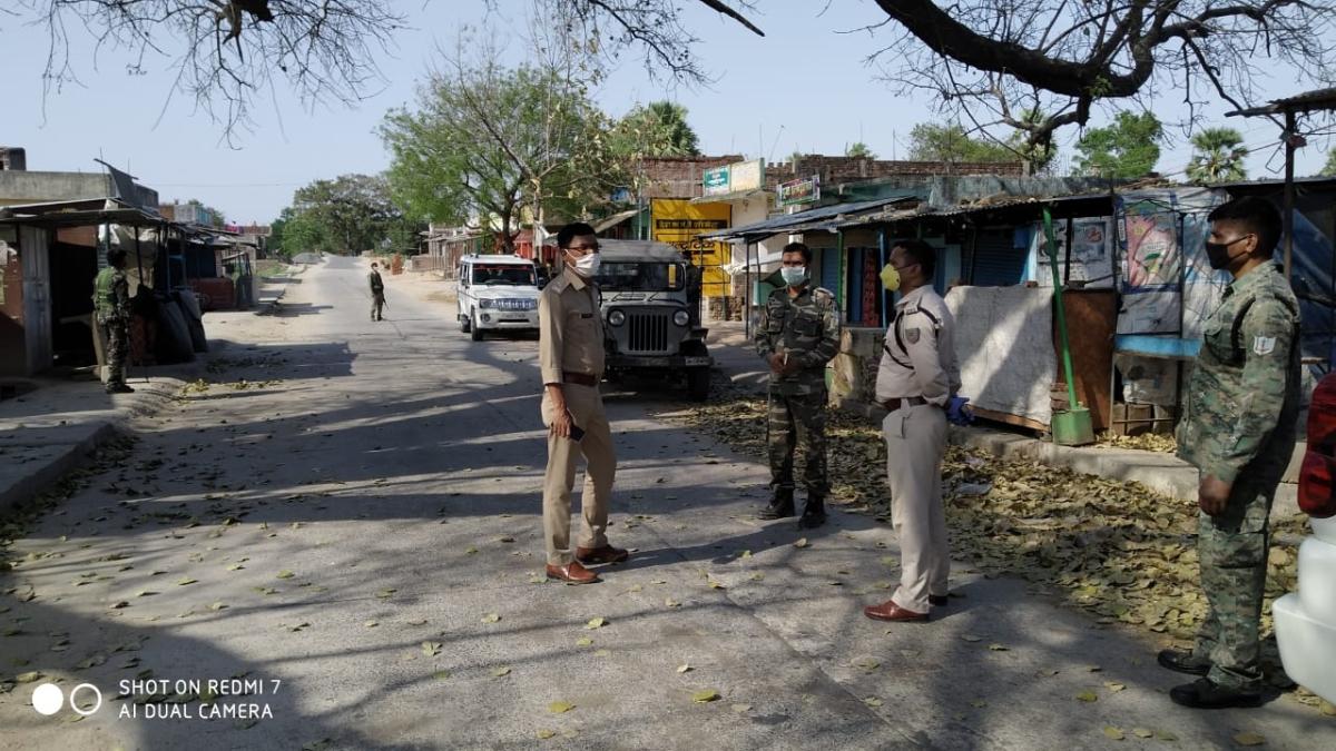 Coronavirus Lockdown: एसपी ने  हैदरनगर-मोहम्मदगंज में लॉकडाउन का जायजा लिया, दिये कई निर्देश