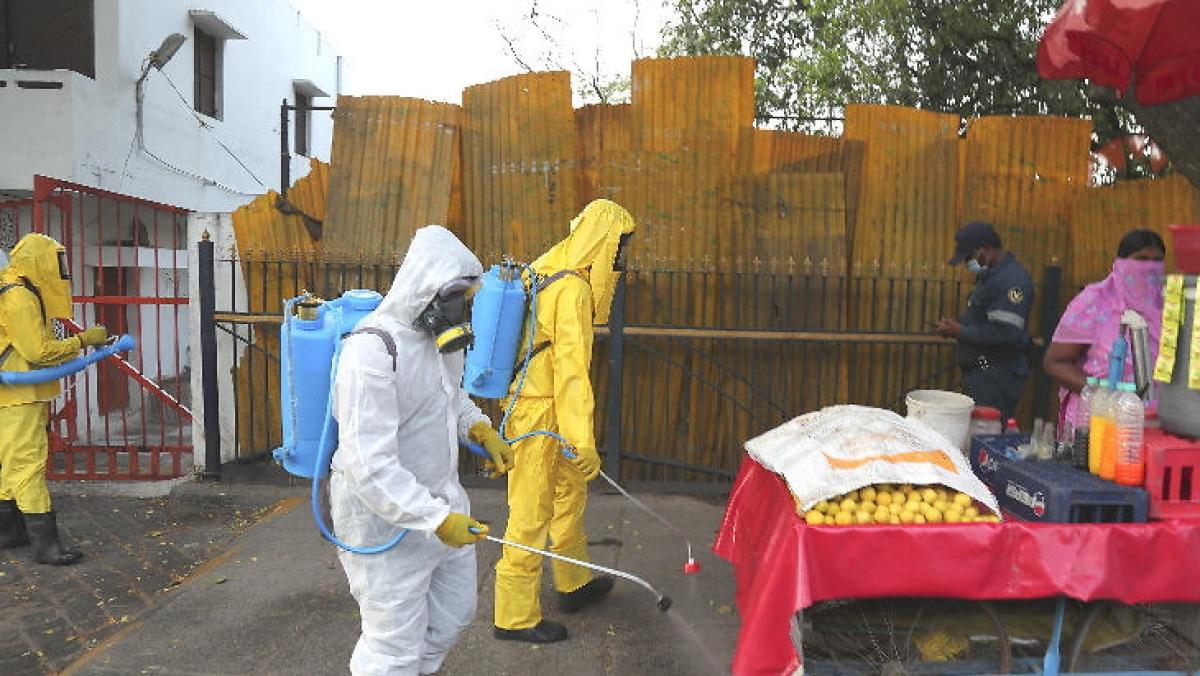Coronavirus Outbreak live update:  CM योगी का ऐलान- 15 अप्रैल को लॉकडाउन समाप्त, PM मोदी ने आज बुलायी दिग्गजों की बैठक