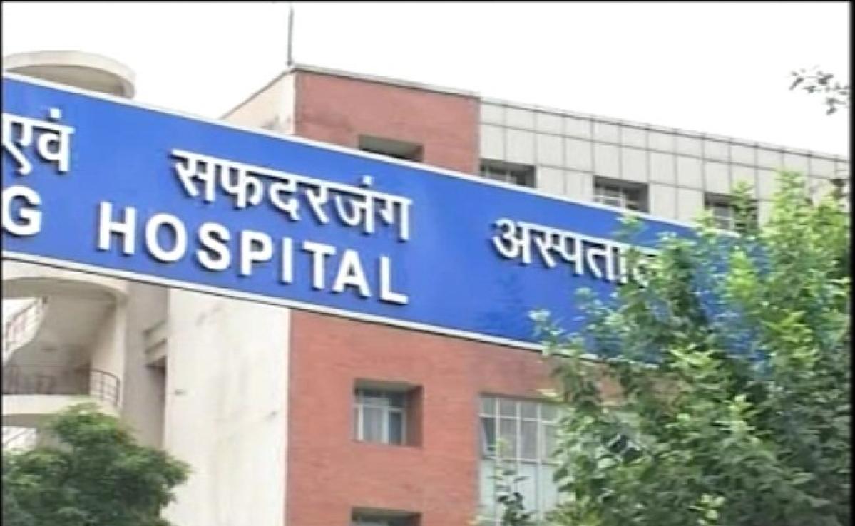 फर्जी खबरों को रोकने के लिए सफदरजंग अस्पताल ने कर्मचारियों के व्हाट्स ग्रुप एडमिन का ब्योरा मांगा