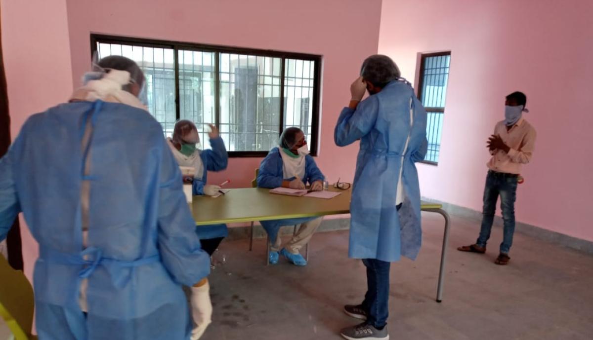Coronavirus : छपरा में कोरोना का पहला मामला सामने आते ही प्रशासन अलर्ट, गांव के सात किमी का एरिया बफर जोन घोषित