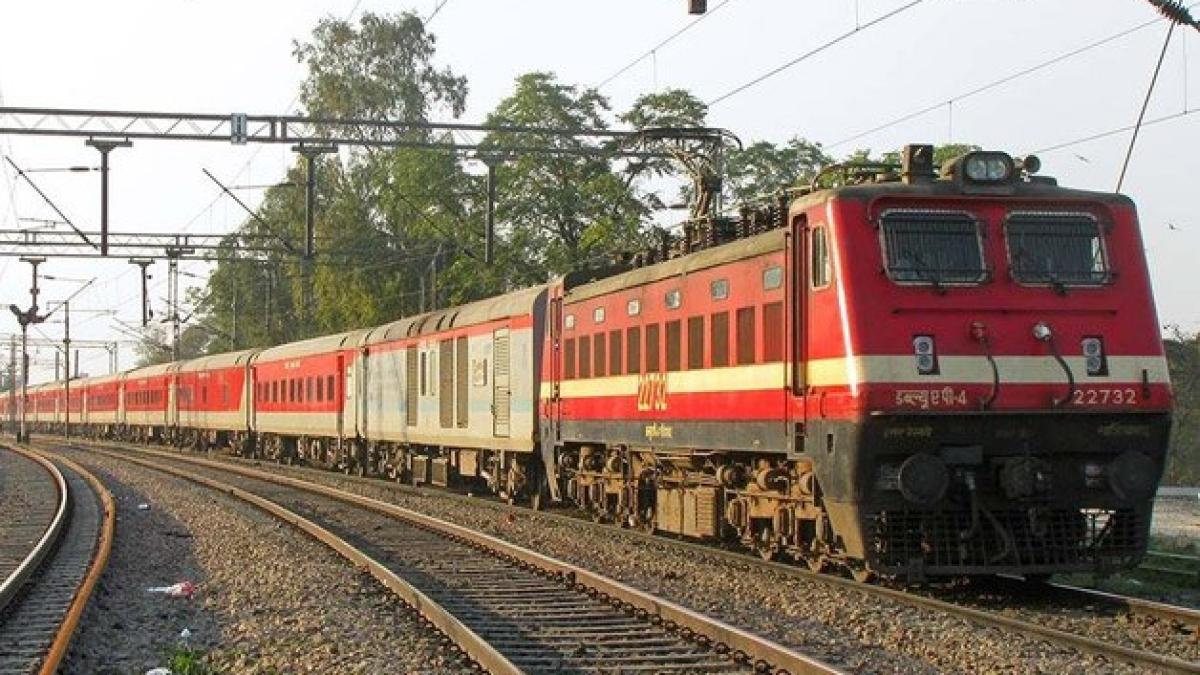 IRCTC News: 30 अप्रैल तक नहीं चलेंगी ट्रेनें, भारतीय रेल के इस कदम से यही लग रहा