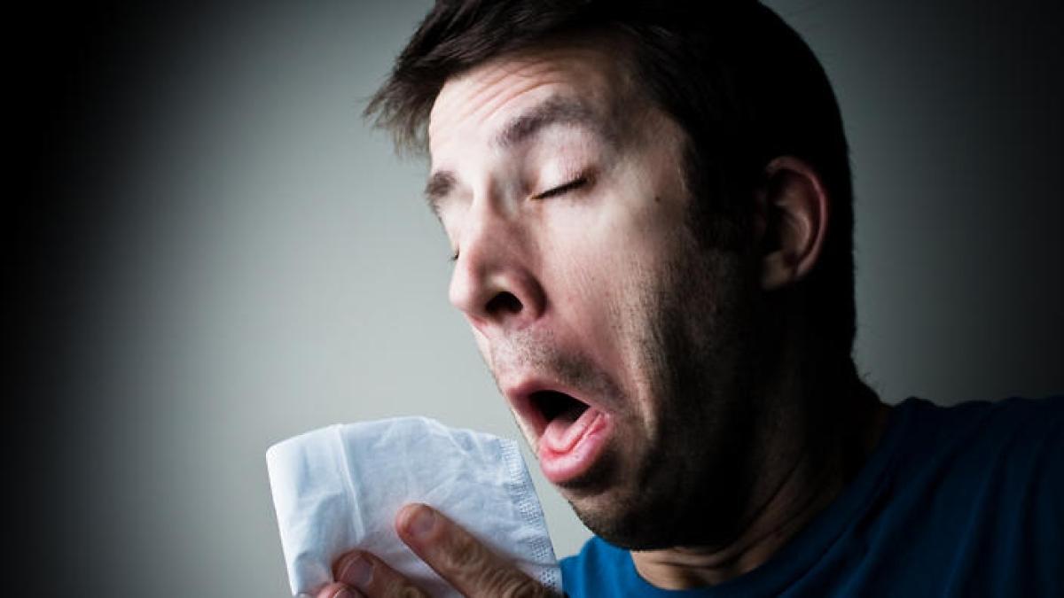 Coronavirus Alert: आपकी खांसी और छींक आठ मीटर तक के लोगों को कर सकती है संक्रमित, बचने के लिए करें ये उपाय