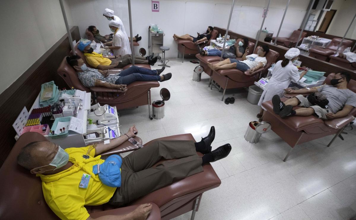 Coronavirus News Live Update : सुप्रीम कोर्ट ने केंद्र सरकार को COVID-19 टेस्ट मुफ्त करने का दिया निर्देश