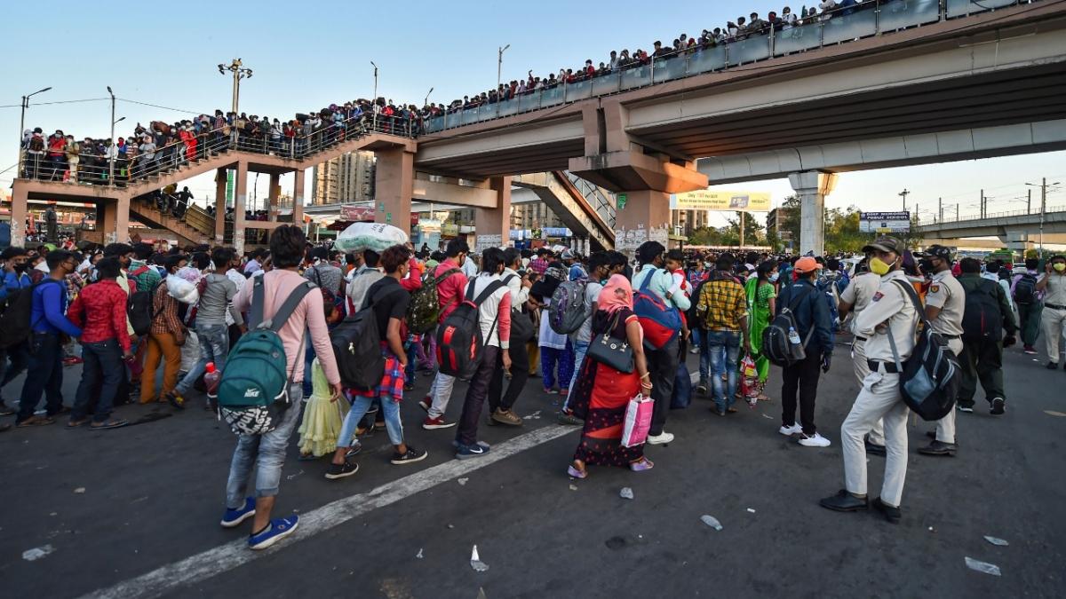 लॉकडाउन में दिल्ली से प्रवासी मजदूरों का पलायन, 44 DTC बस चालकों के खिलाफ मामला दर्ज