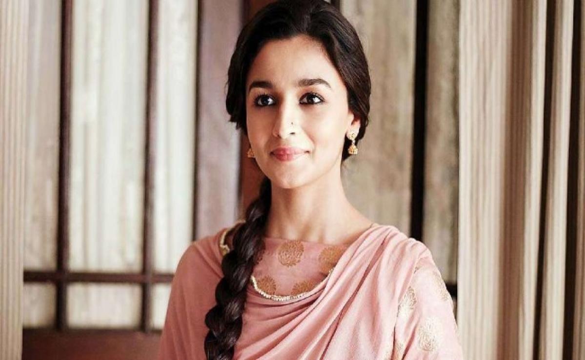 आलिया भट्ट को दिया मुंबई पुलिस का जवाब हो रहा वायरल, फैंस भी कर रहे फनी कमेंट्स