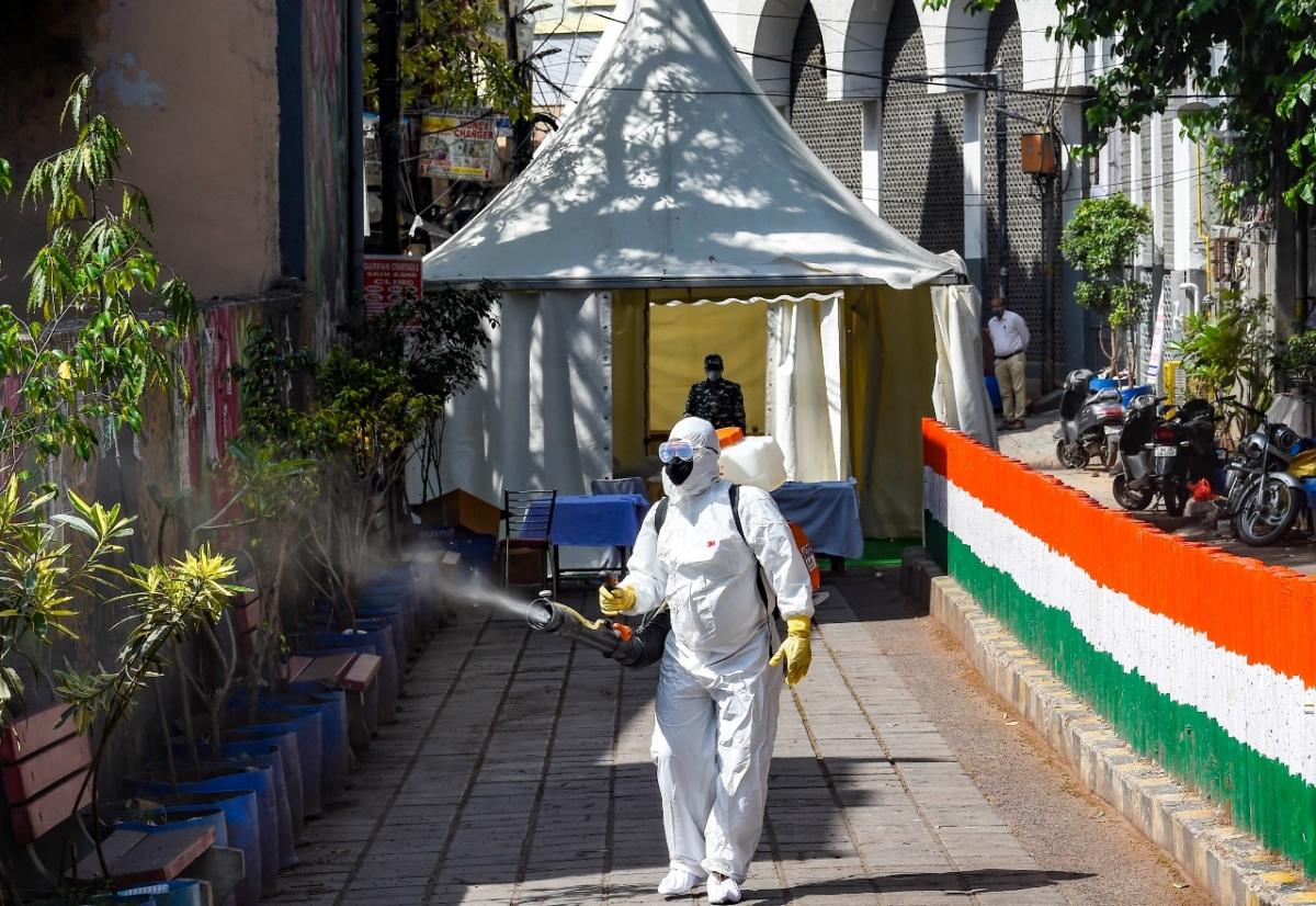 Coronavirus Outbreak Live Update : भारत में अब तक 56 की मौत, संक्रमितों की संख्या 2301