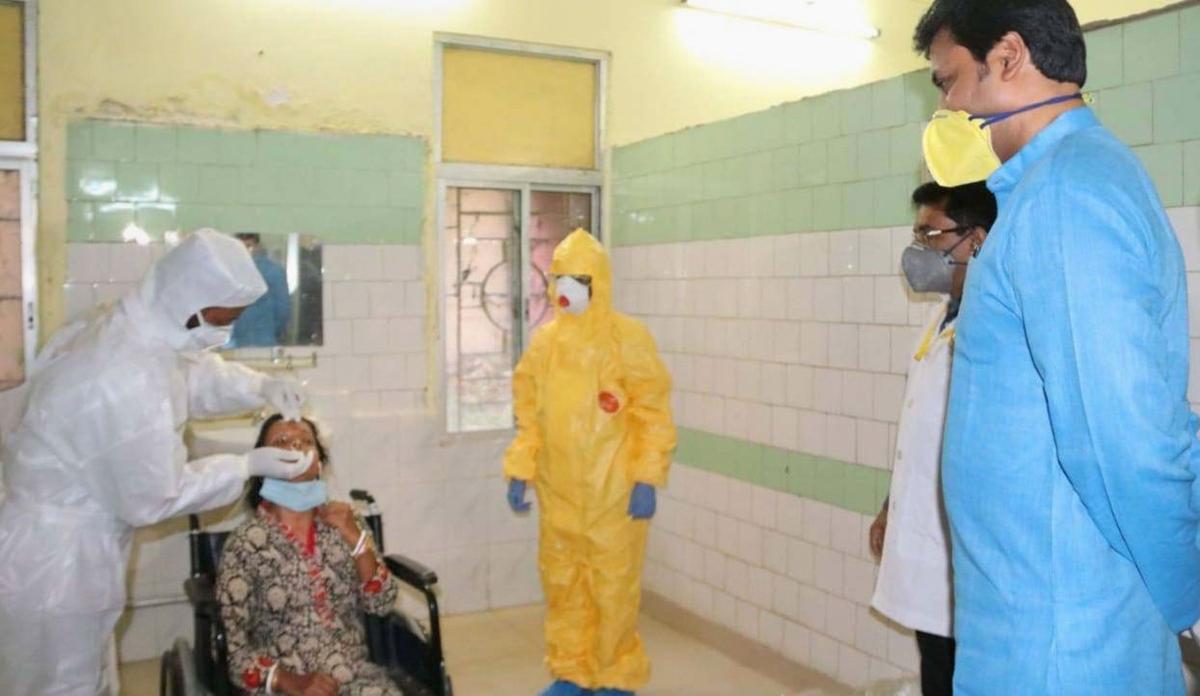 Coronavirus Outbreak Live Update : भारत में कोरोना वायरस से 53 की मौत, 2069 संक्रमित