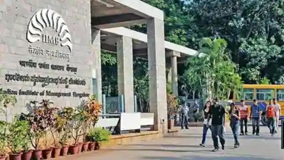 लॉकडाउन के कारण फंसे कर्मचारियों, प्रवासियों की मदद के लिए सामने आए IIT, IIM के छात्र
