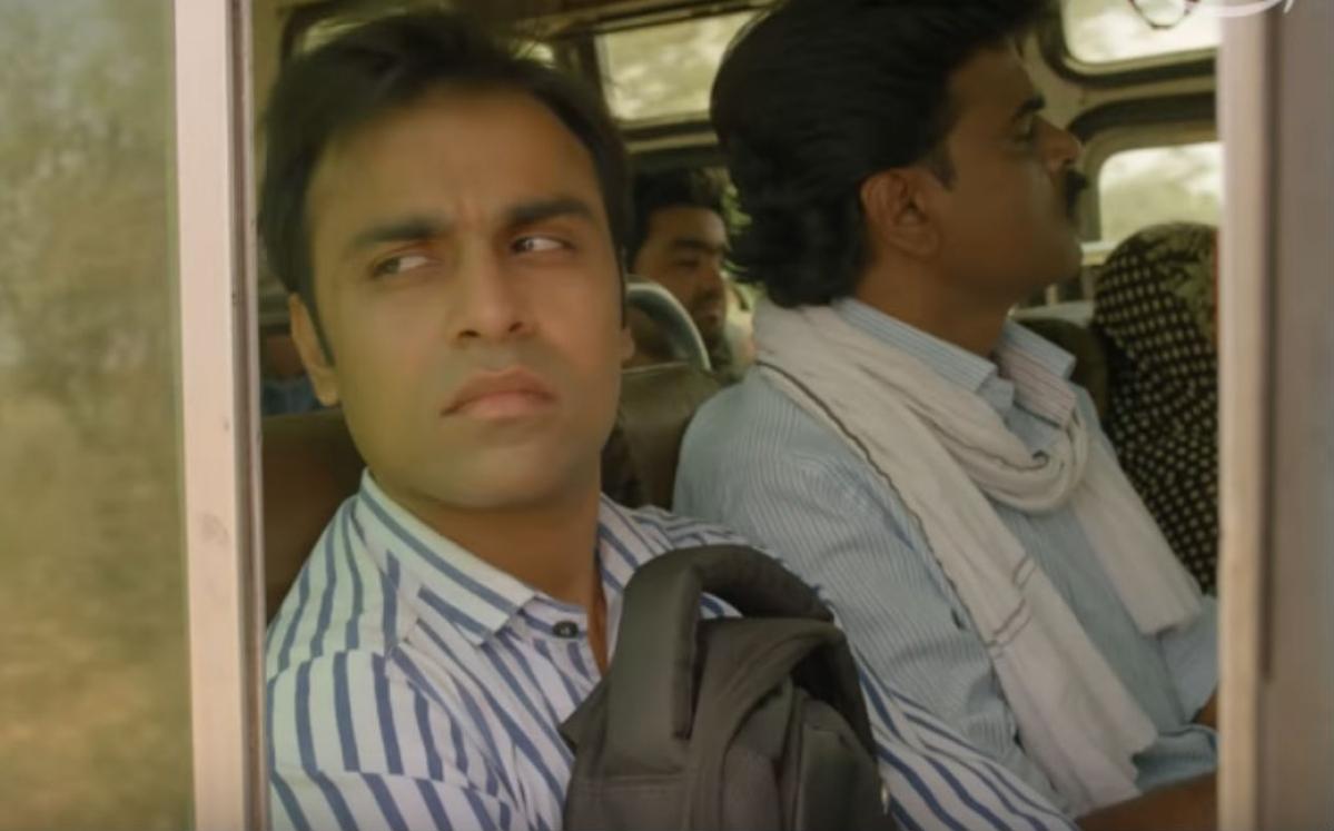 Panchayat review: शाहरुख खान के 'स्वदेस' की याद दिलायेगी ये फिल्म, लेकिन इसमें ट्विस्ट है?