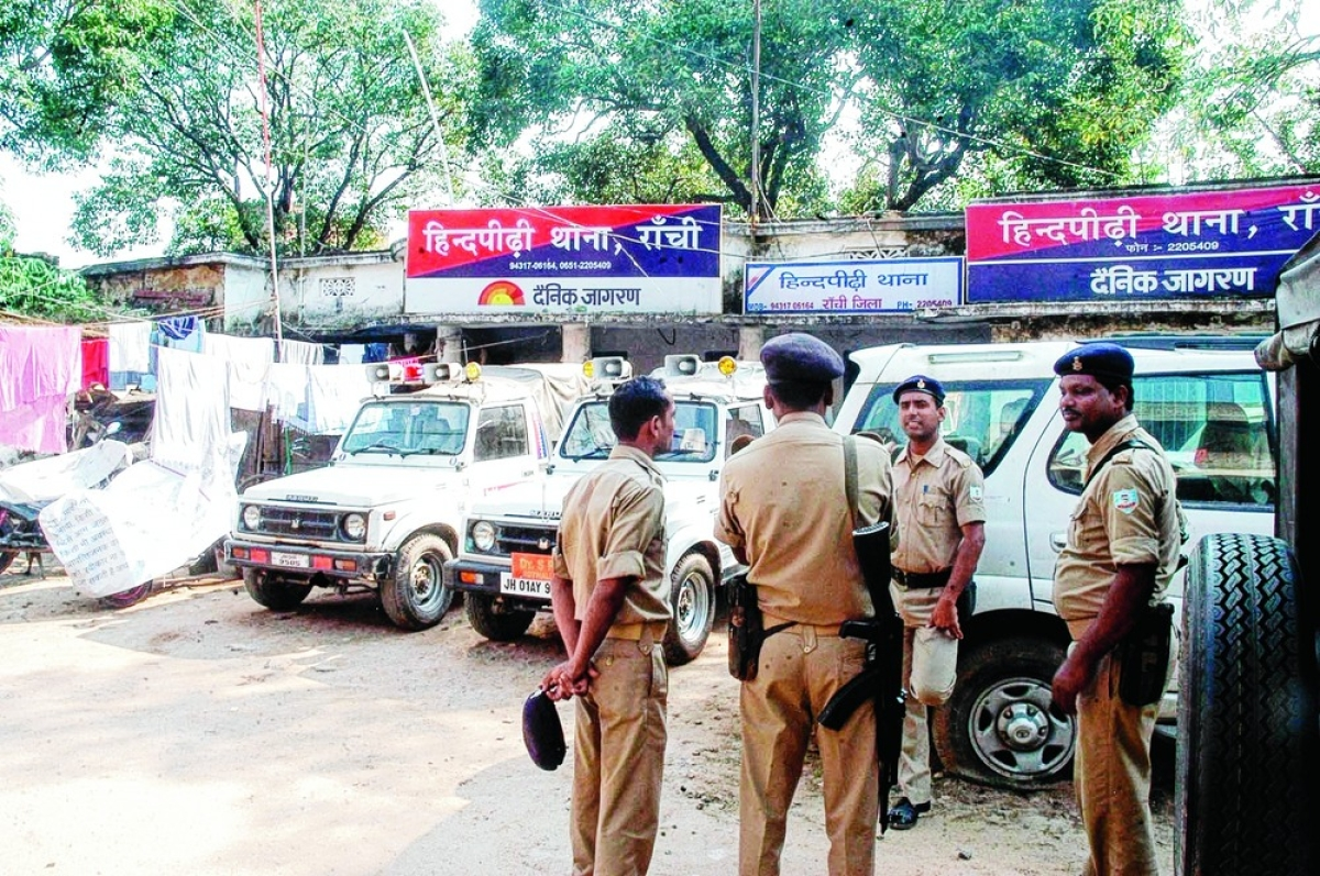 हिंदपीढ़ी में लॉकडाउन का सख्ती से पालन करायेंगे पुलिस अफसर