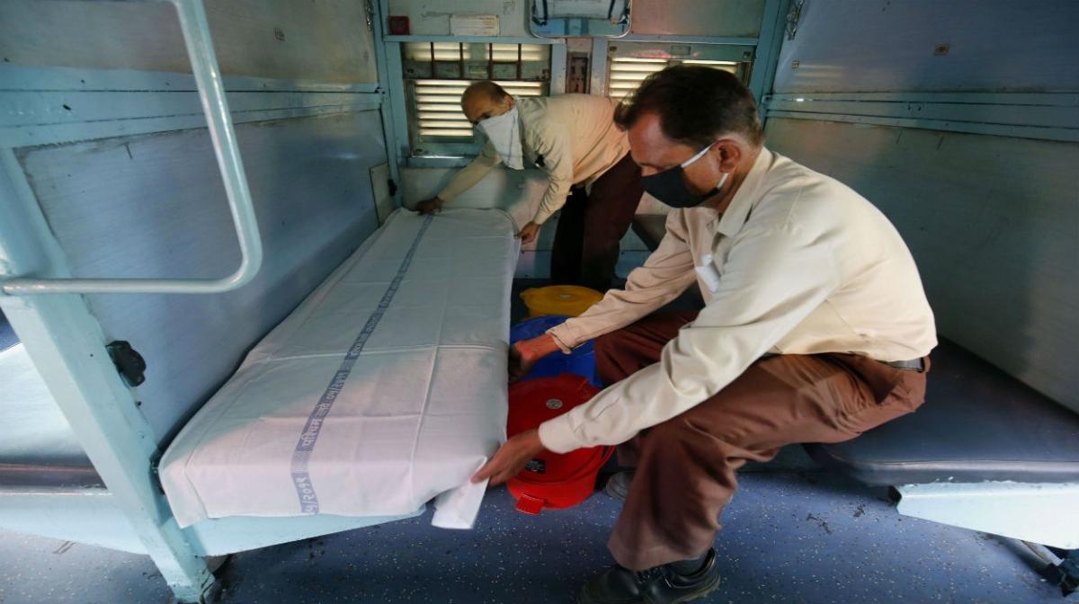 Corona संक्रमित रोगियों के लिए 68 ट्रेनो में 680 आइसोलेशन कोच बना रहा नॉदर्न रेलवे और नॉदर्न सेंट्रल रेलवे