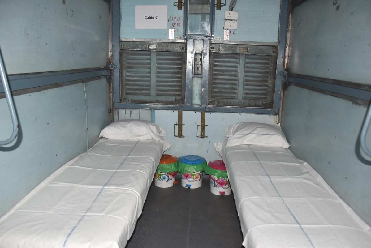 कोरोना से जंग : रेलवे ने तैयार किया 40 हजार आइसोलेशन बेड, 2500 कोचों को बनाया अस्पताल