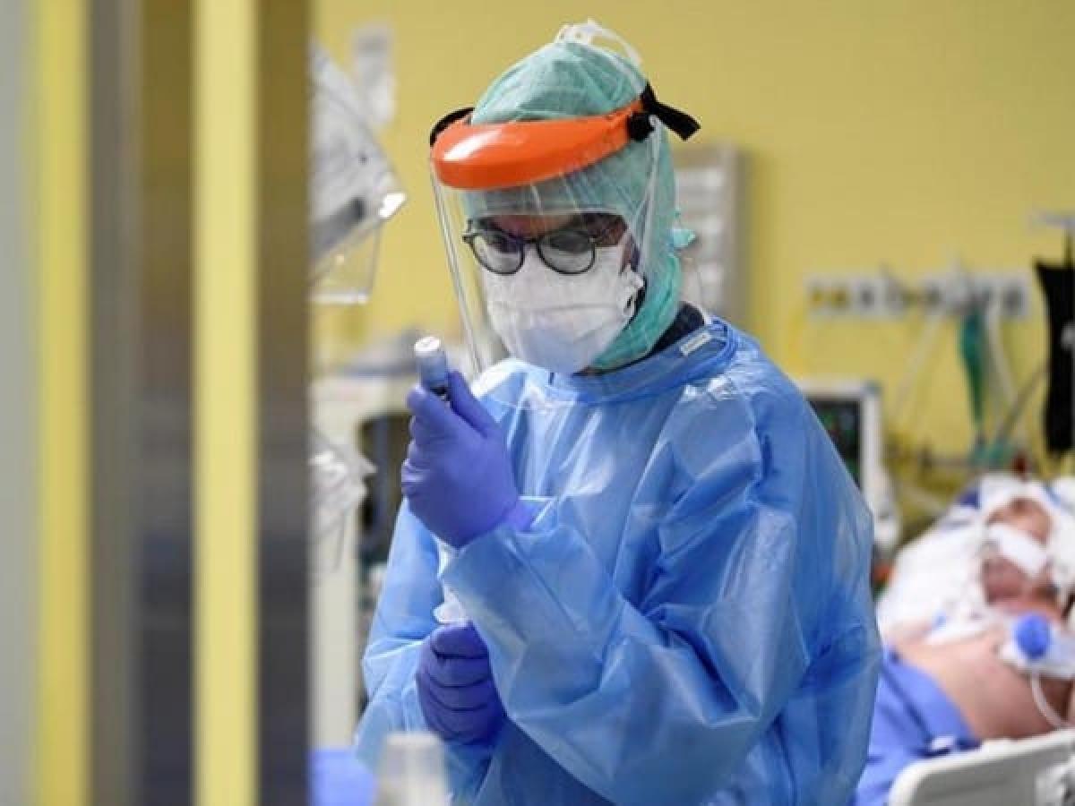 Coronavirus News Live Update : देश में मौत का आंकड़ा 100 के पार, पीएम ने बुलायी कैबिनेट की बैठक