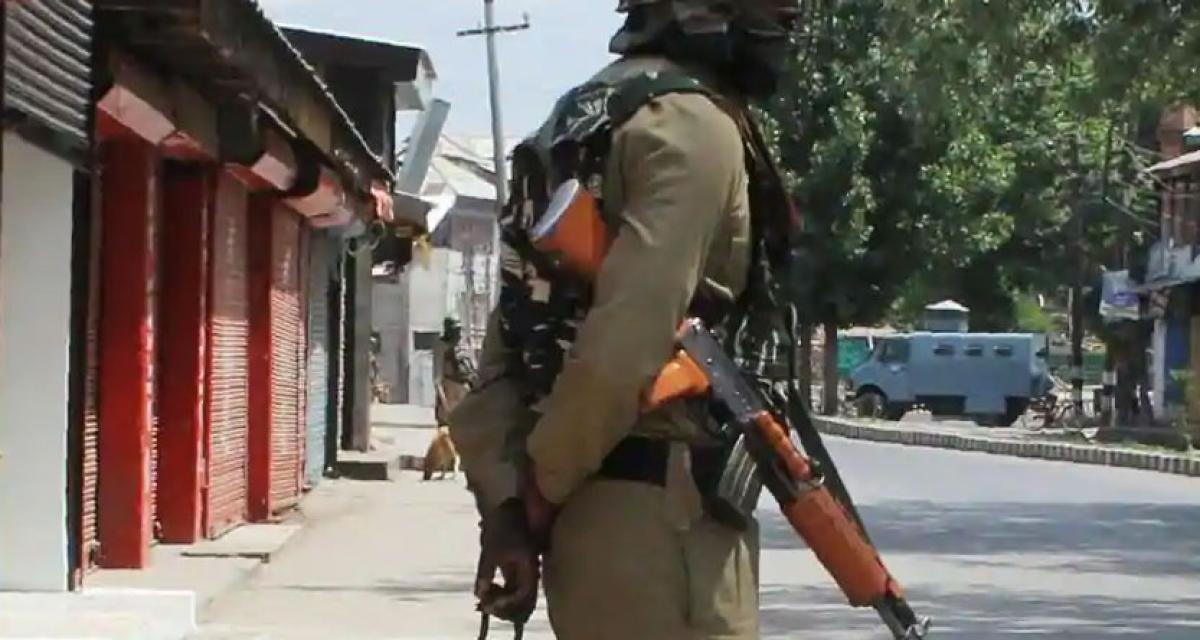 Coronavirus Outbreak : हिंदपीढ़ी में विधि-व्यवस्था के लिए मुसलिम पुलिस अफसरों की फौज उतारी