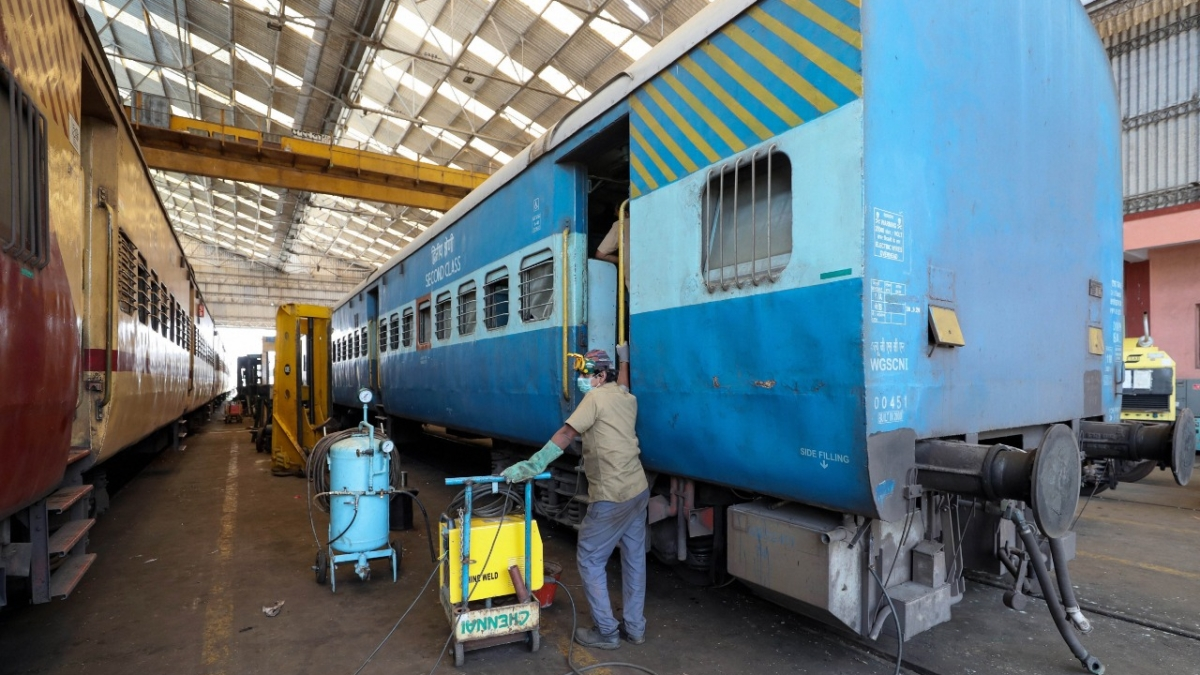 Indian Railways : Coronavirus से 13 लाख कर्मचारियों को बचाने के लिए रेलवे ने तैयार की गाइडलाइन