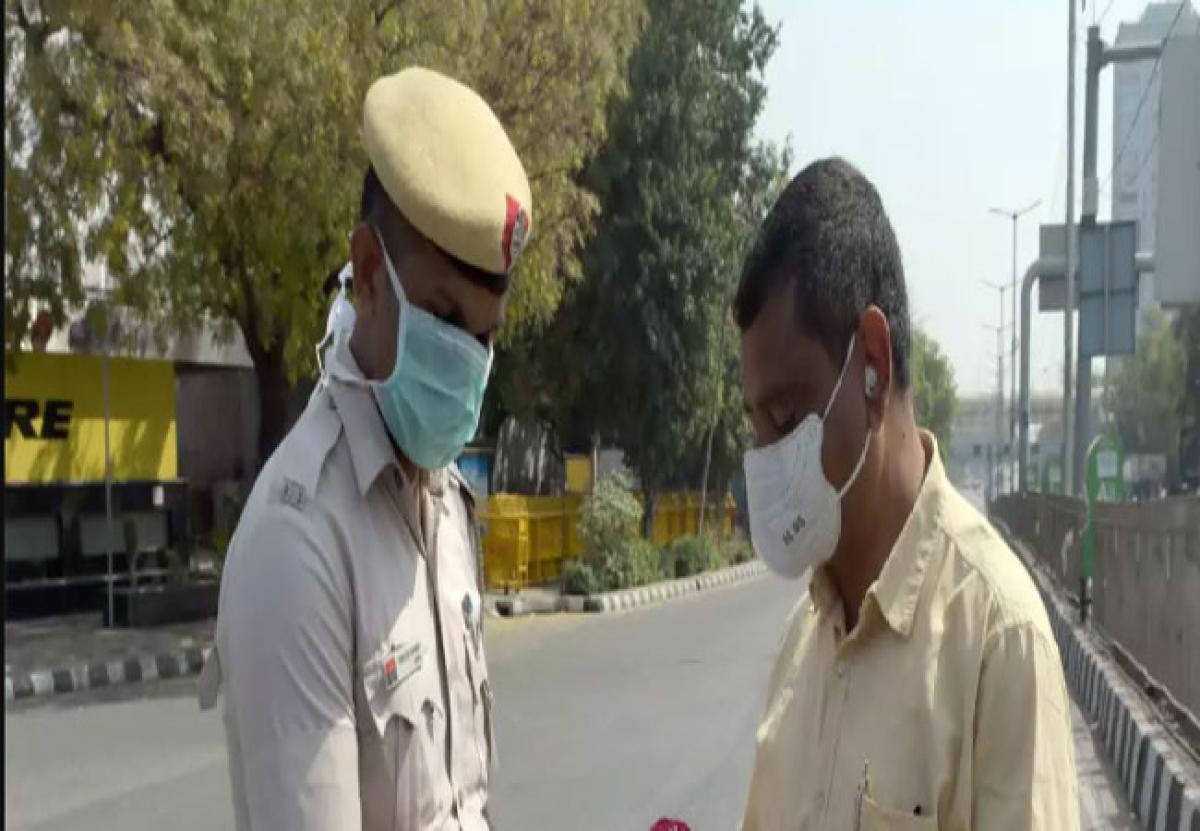 दिल्ली पुलिस के कॉन्स्टेबल ने की बड़ी गलती, जमातियों को दिल्ली-गाजियाबाद बॉर्डर पार करने में कर रहा था मदद