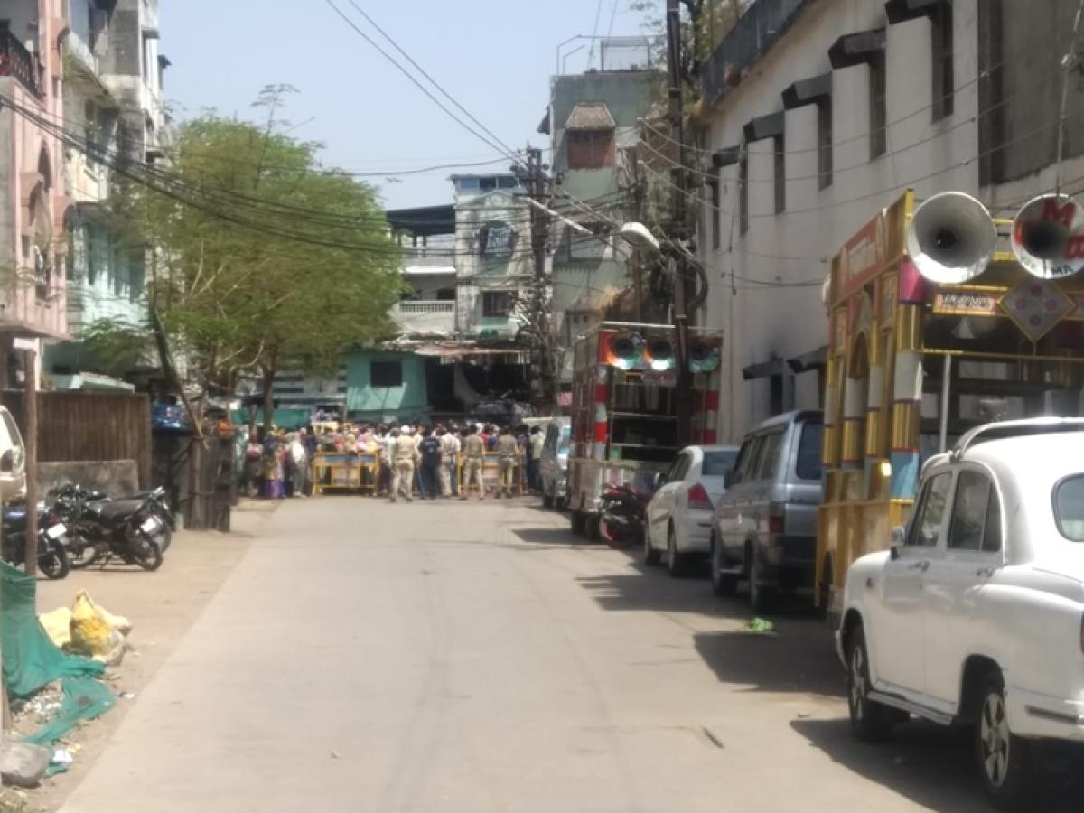 इंदौर में Coronavirus की जांच करने गए डॉक्टरों पर हमला