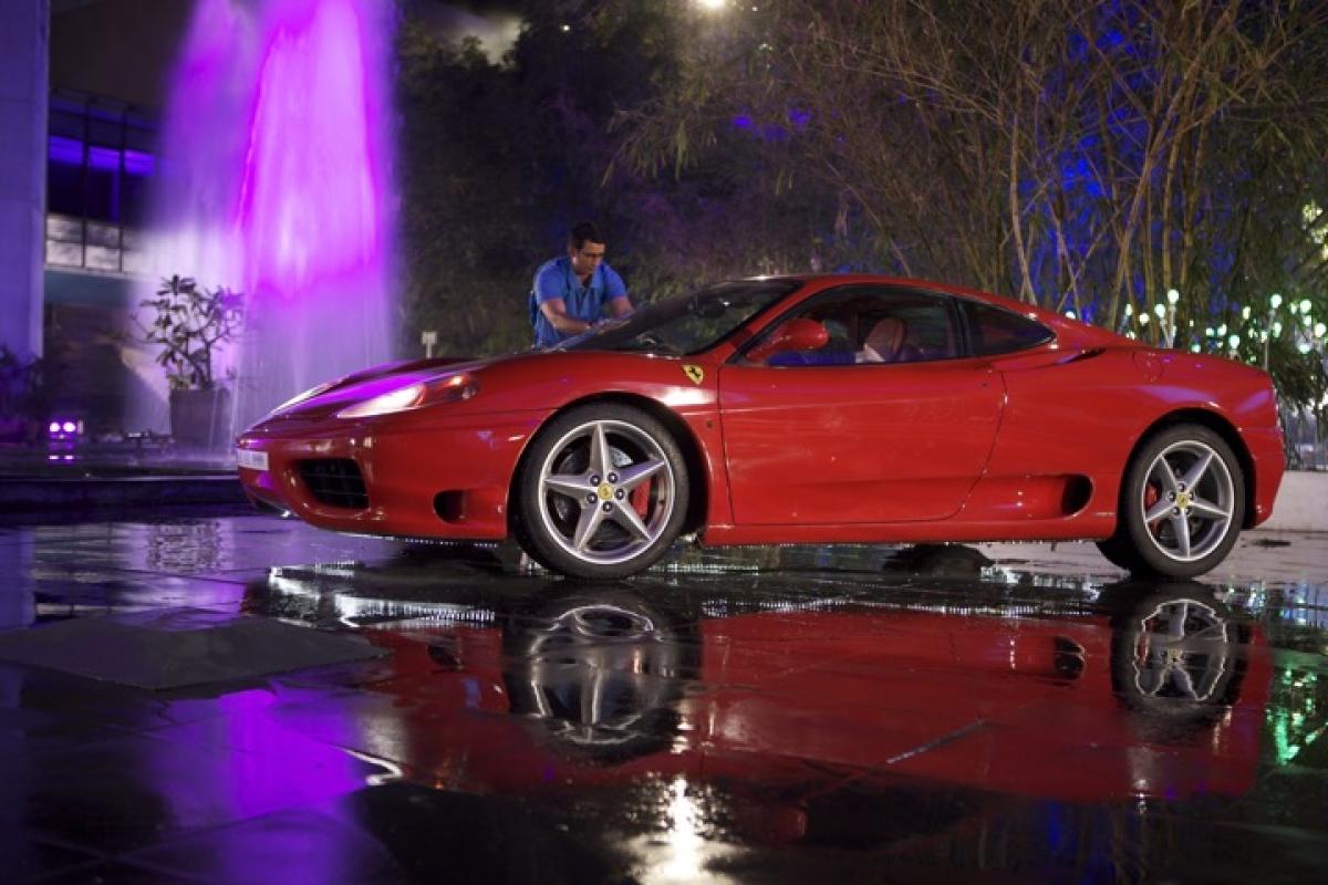 A still from Ferrari Ki Sawaari.