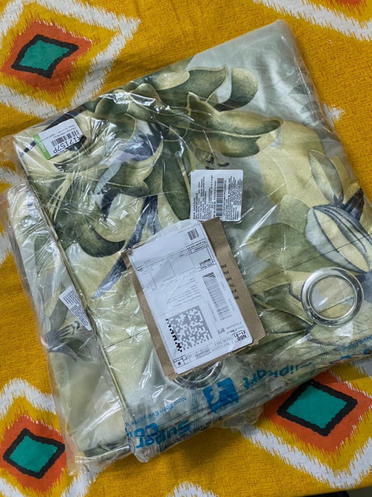 Curtains ordered from Flipkart received in a single layer packaging