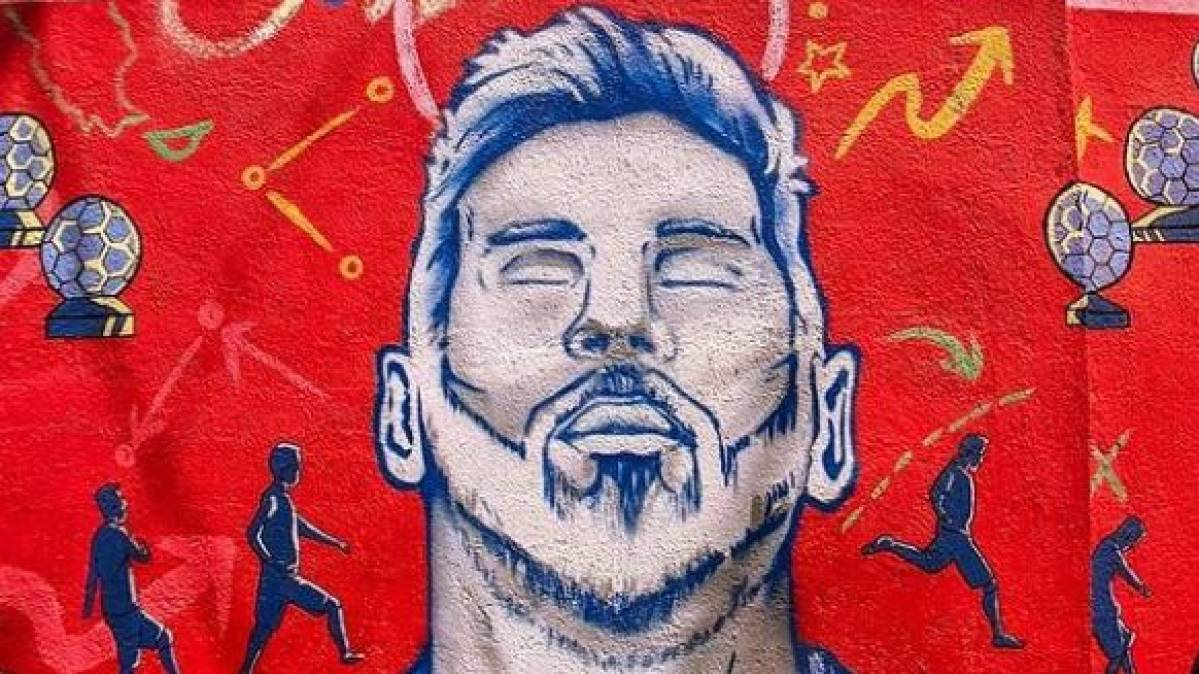 Budweiser celebrates Messi's journey in murals, special edition bottles - afaqs