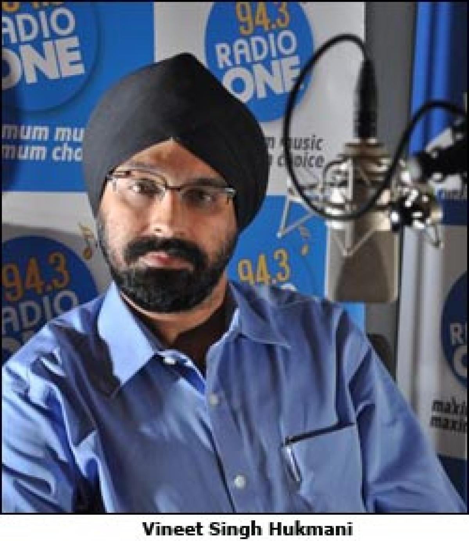 Radio One Kolkata adopts Hindi retro route