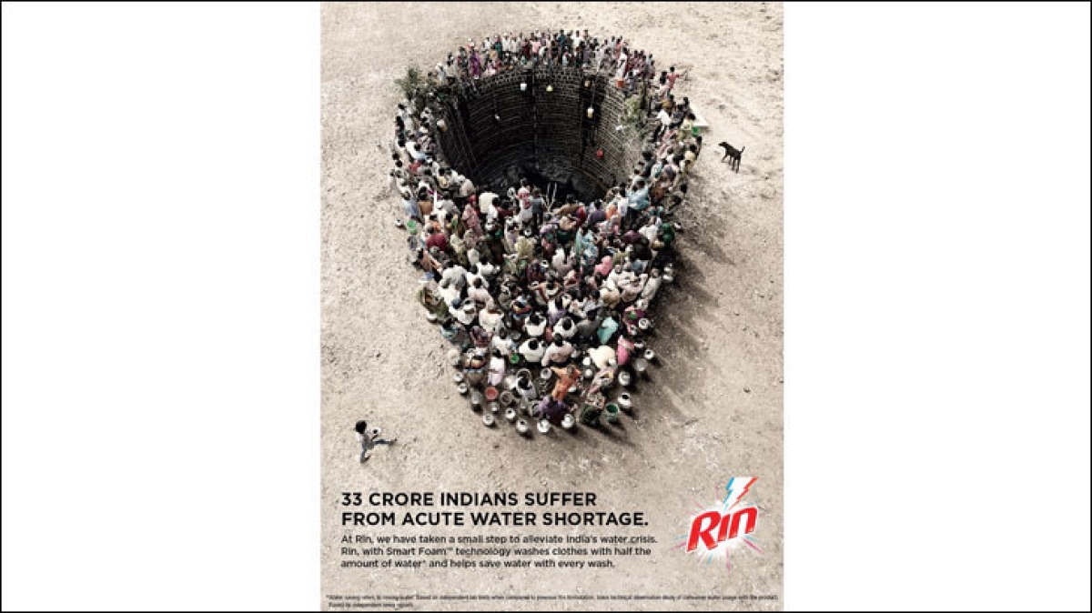 Rin's print ad with 300 villagers gathers buzz