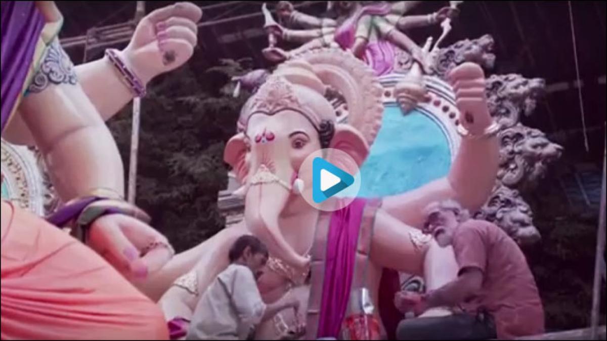 Hands that rise for namaz also make Ganpati idols...