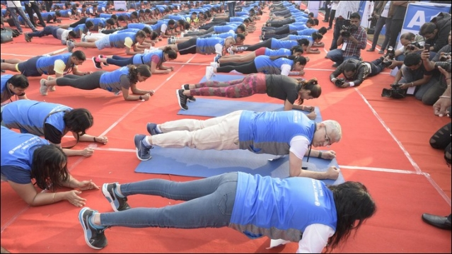 Bajaj Allianz gets 2k+ people to 'plank' in outdoor act