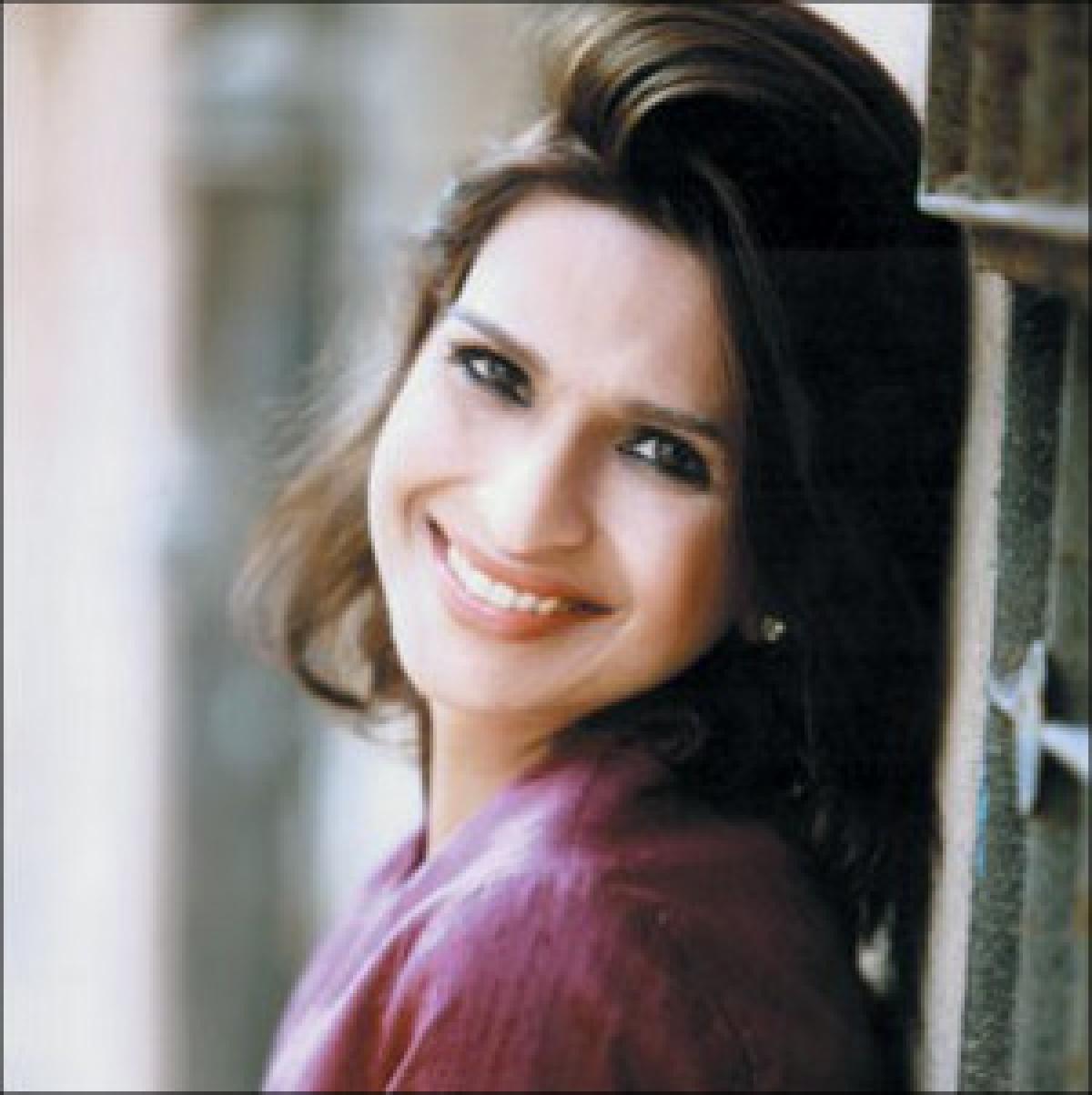 You can interview Mallika Dua through Idea's video chat bot...