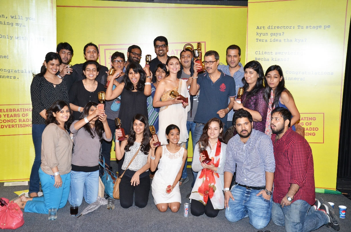 group ogilvy office. aditi rao hydari with team ou0026m group ogilvy office e