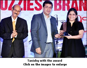 Tanishq with the award