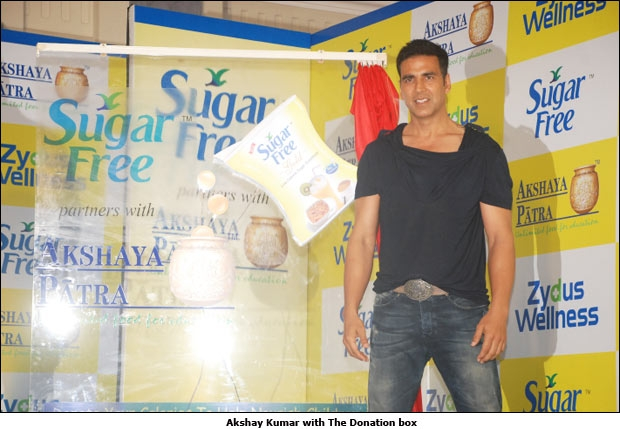 Akshay Kumar with The Donation box