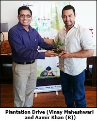 Plantation Drive (Vinay Maheshwari (L) and Aamir Khan (R))