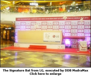 The Signature Bat from LG, executed by DDB MudraMax