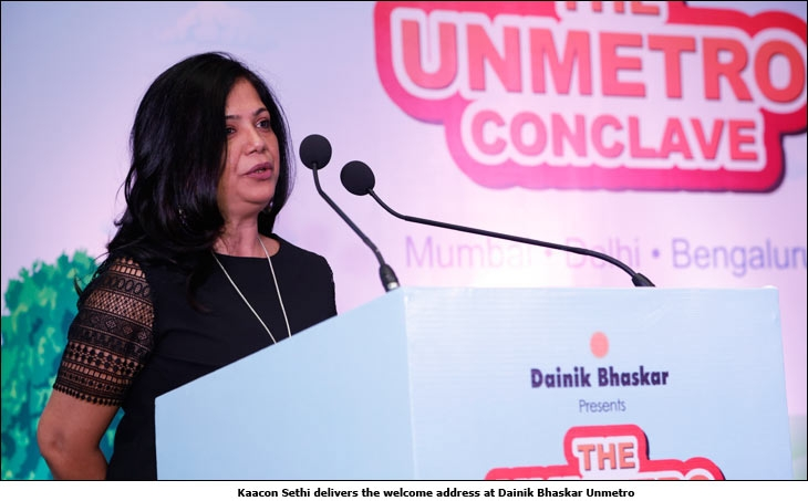 Kaacon Sethi delivers the welcome address at Dainik Bhaskar Unmetro